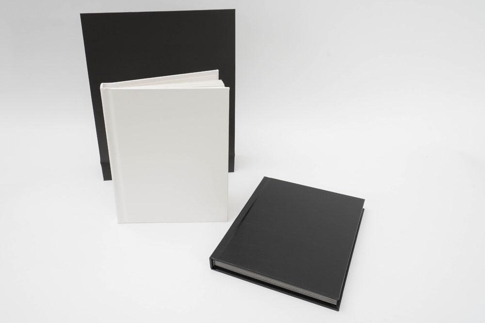 Album imitation cuir comprenant 10 vues 13x18